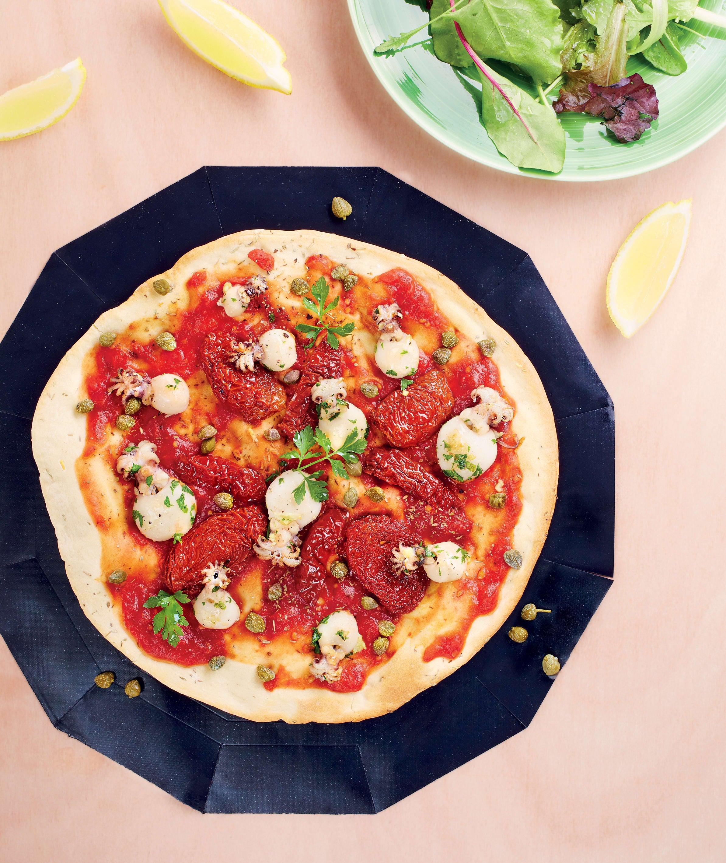 Photo de/du Pizza aux tomates, aux câpres et aux petites seiches par WW