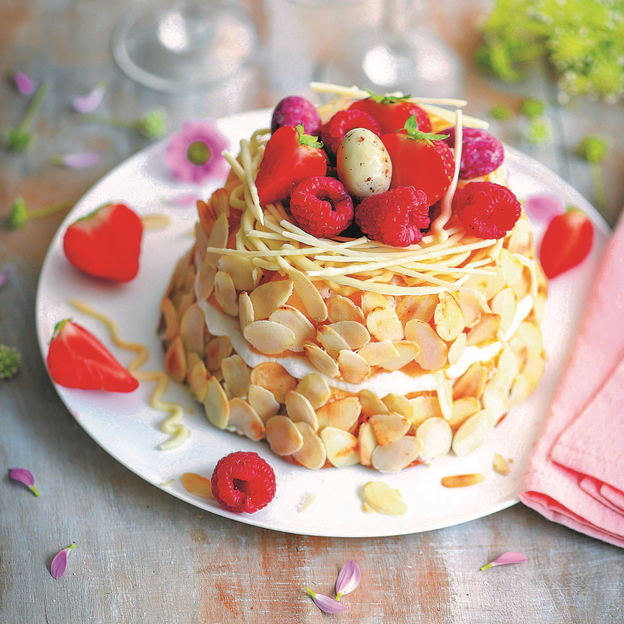 Photo de/du Nid de Pâques gourmand aux fruits rouges par WW