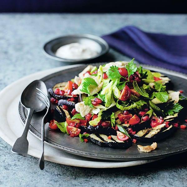 Photo de/du Salade d'aubergines sauce yaourt et fattoush par WW
