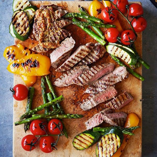 Photo de/du Faux-filet de boeuf et légumes grillés au barbecue par WW