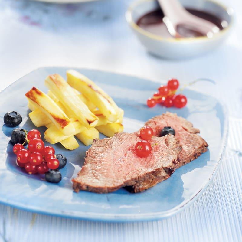 Photo de/du Filet de sanglier aux fruits rouges, frites de panais par WW