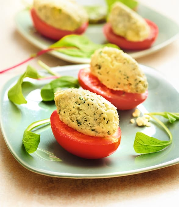 Photo de/du Quenelles de basilic en canapé de tomate par WW