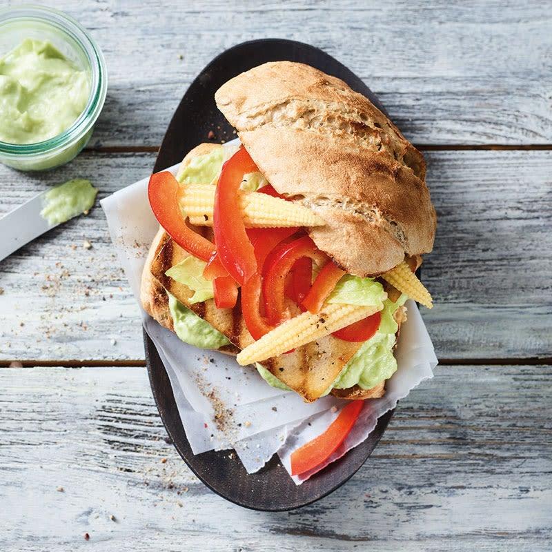 Photo de/du Burger épicé au tofu et au guacamole par WW