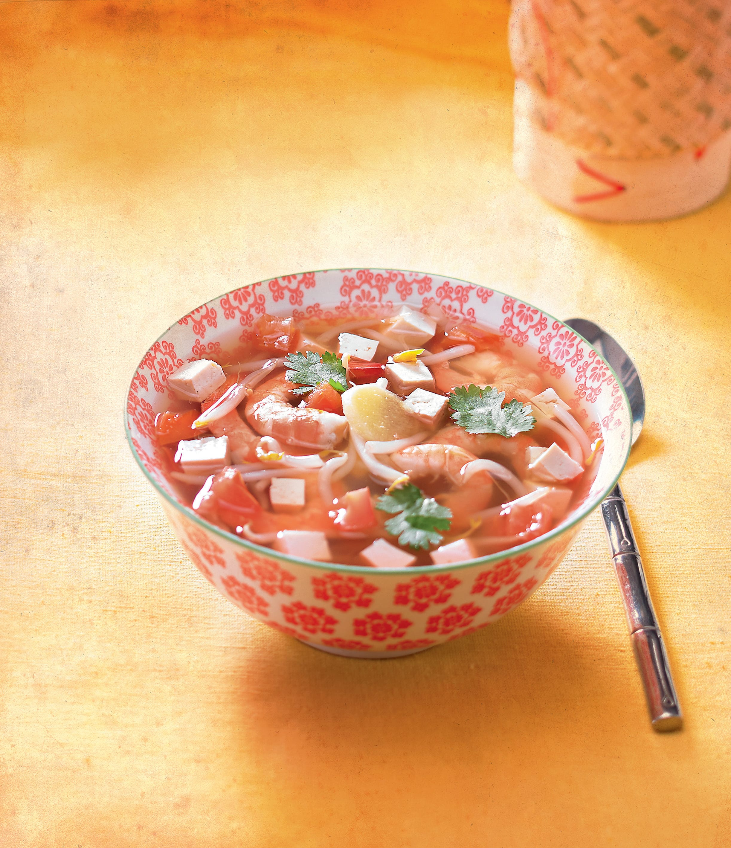 Photo de/du Soupe chinoise au tofu et aux crevettes par WW