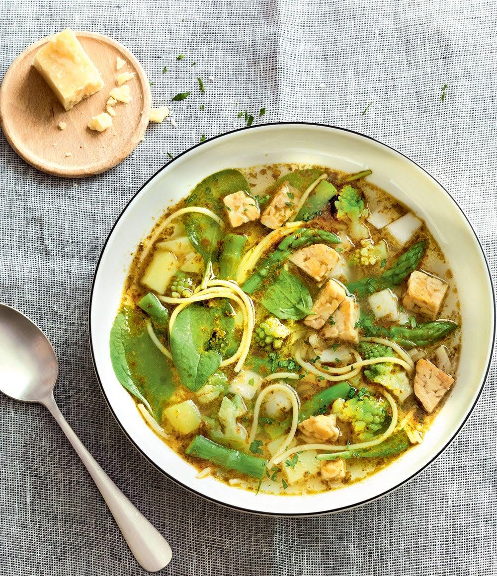 Photo de/du Soupe verte aux spaghettis et tempeh par WW