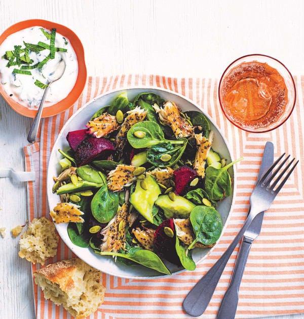 Photo de/du Salade de maquereau, betterave et concombre par WW
