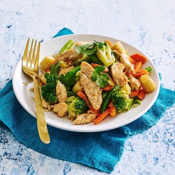 Photo de/du Poêlée de poulet aux légumes par WW
