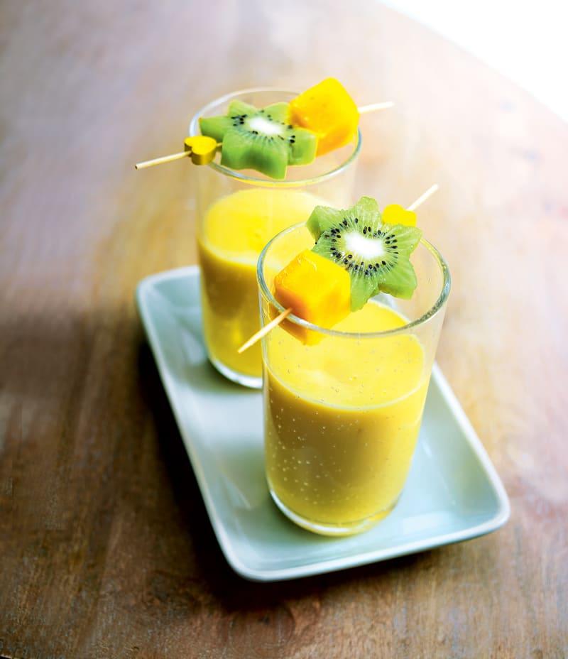 Photo de/du Smoothies à la mangue et mini-brochettes de fruits par WW