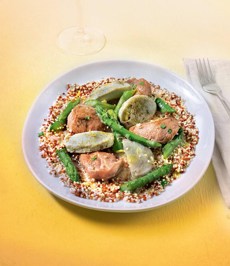 Photo de/du Veau sauté aux asperges, aux artichauts, au quinoa, à l'estragon et au citron par WW
