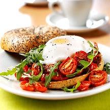 Photo de/du Bagels tomate œuf roquette par WW