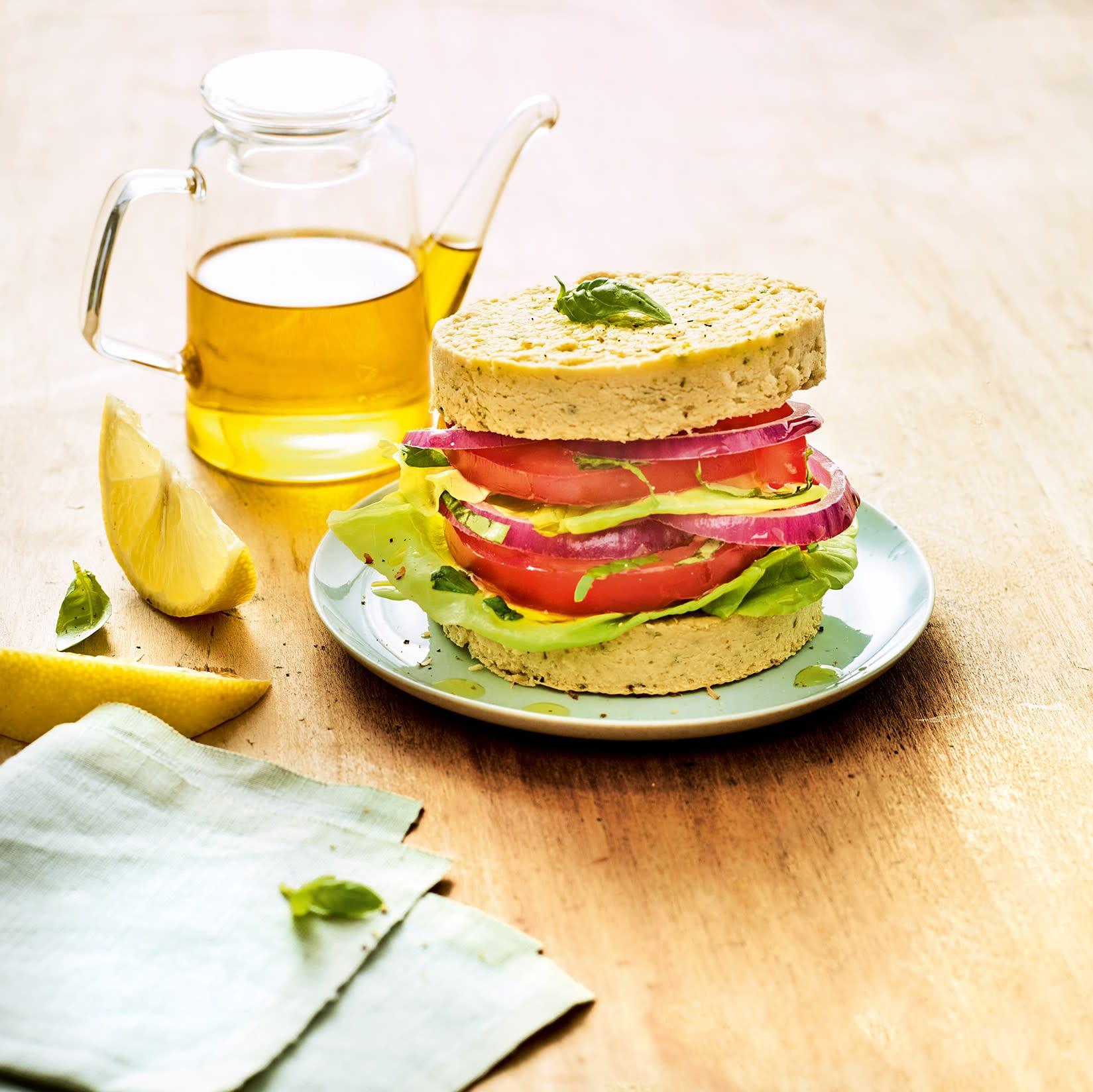 Photo de/du Burger tarbais tomate et basilic par WW