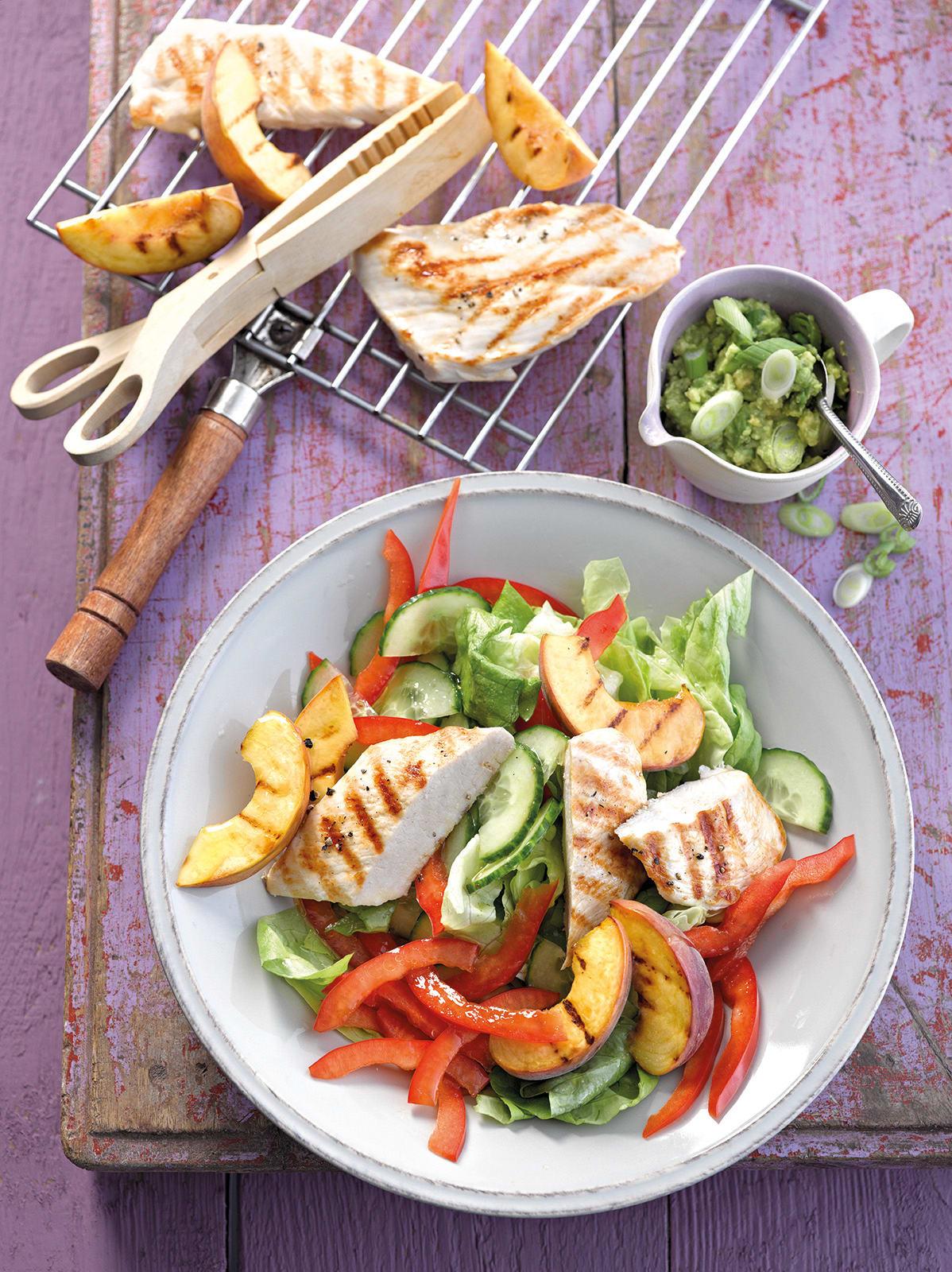 Photo de/du Salade de pêche au poulet et guacamole par WW
