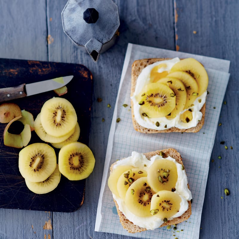 Photo de/du Tartine fromage frais kiwi par WW