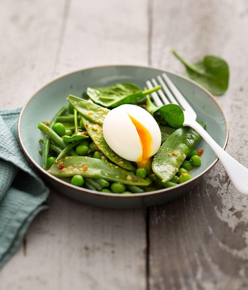 Photo de/du Salade tiède croustillante à l'œuf mollet par WW