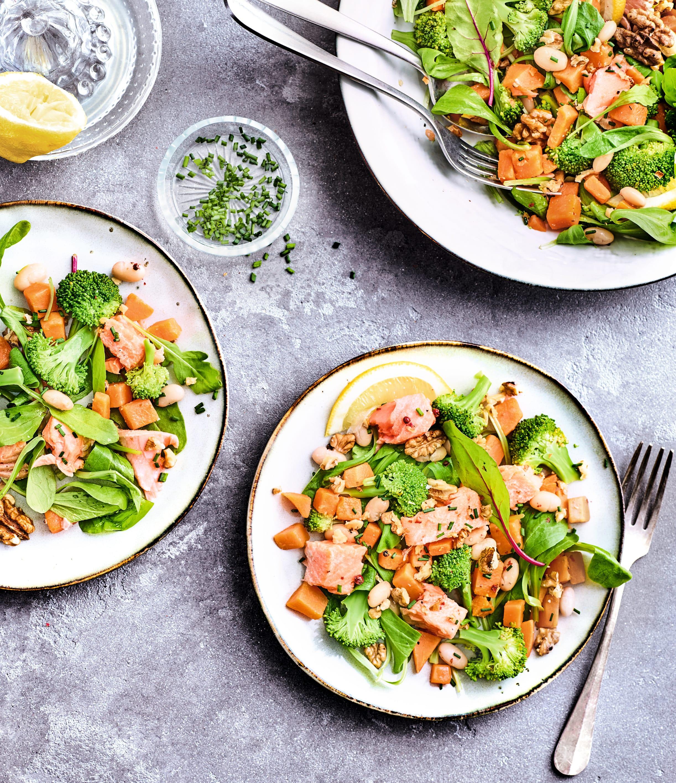 Photo de/du Salade tiède de saumon aux légumes par WW