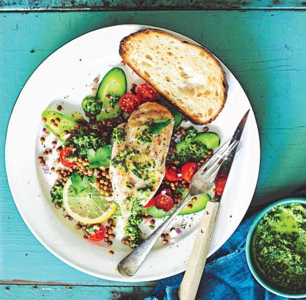 Photo de/du Poulet sauce aux olives et salade de lentilles par WW