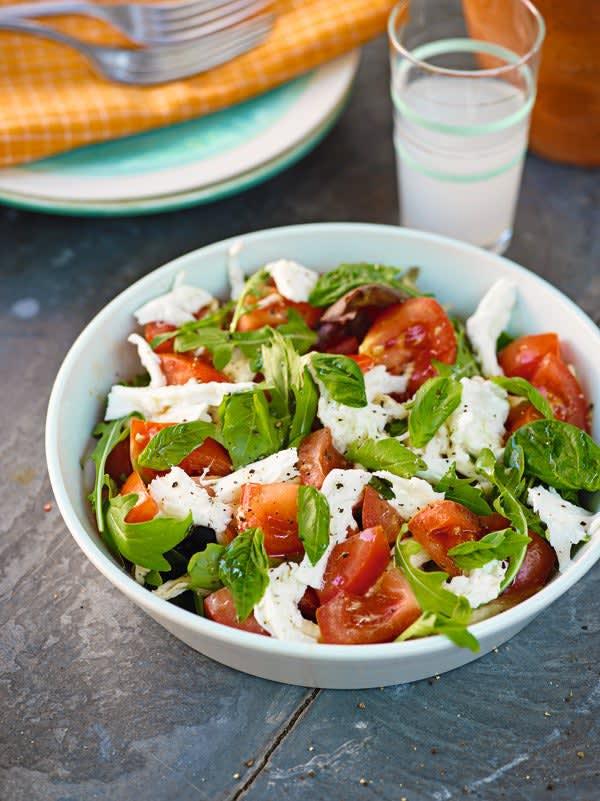Photo de/du Salade de tomates à la mozzarella et au basilic par WW