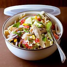Photo de/du Salade de poulet aux pâtes complètes par WW