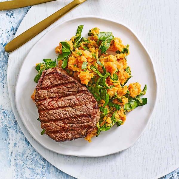 Photo de/du Steak grillé et purée de patates douces et épinards par WW