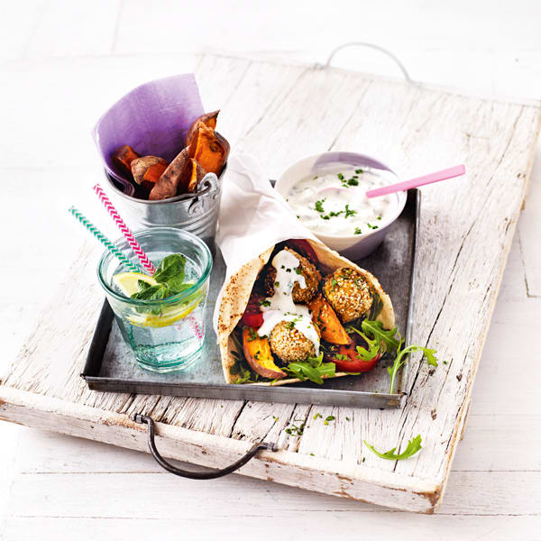 Photo de/du Falafels de courgette avec frites de patate douce par WW
