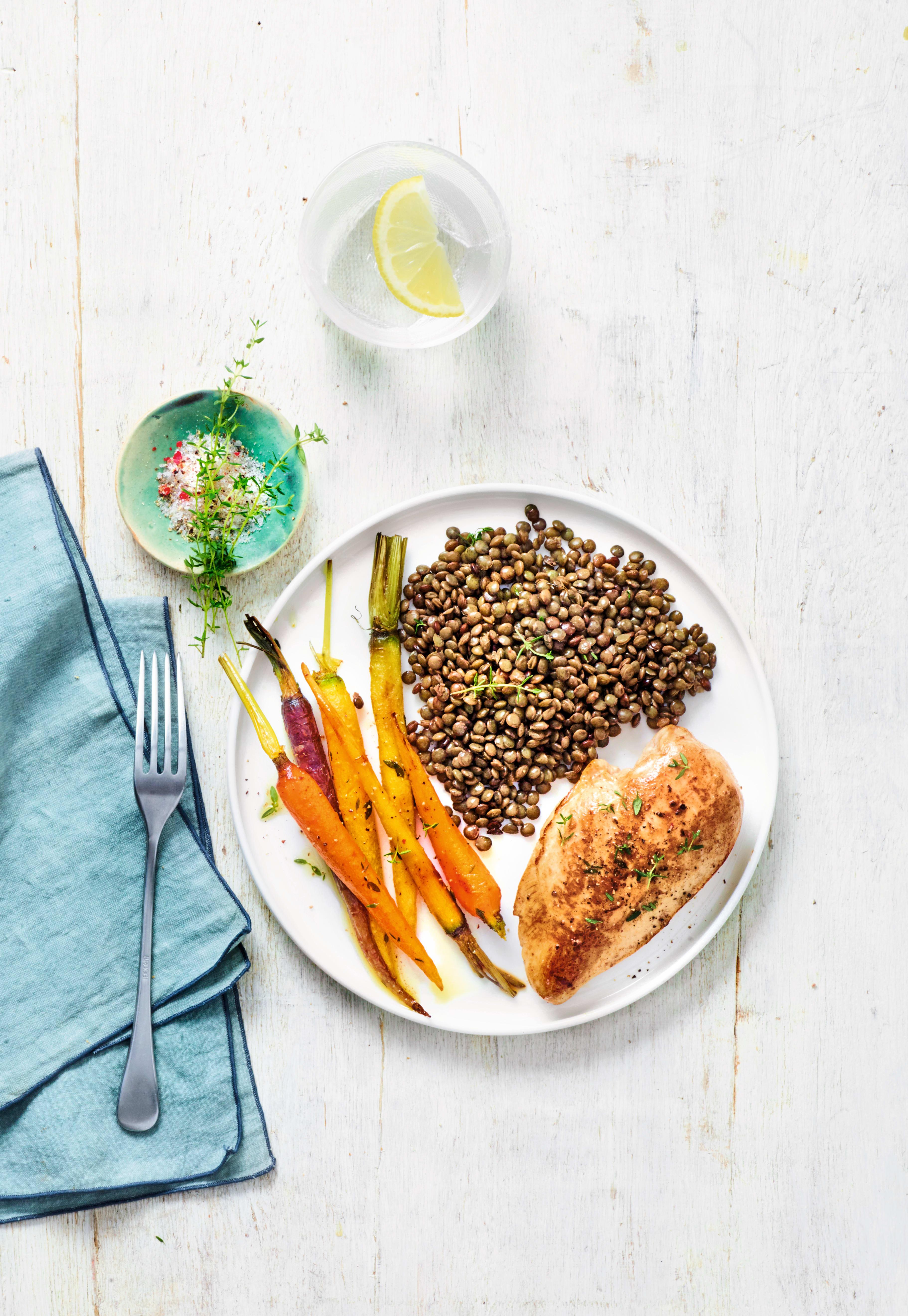 Photo de/du Poulet grillé, lentilles et carottes par WW