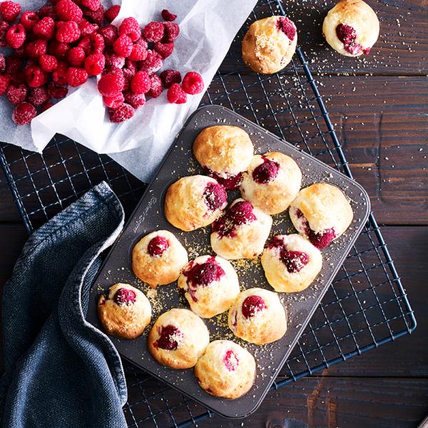 Photo de/du Mini muffins banane, noix de coco et framboises par WW