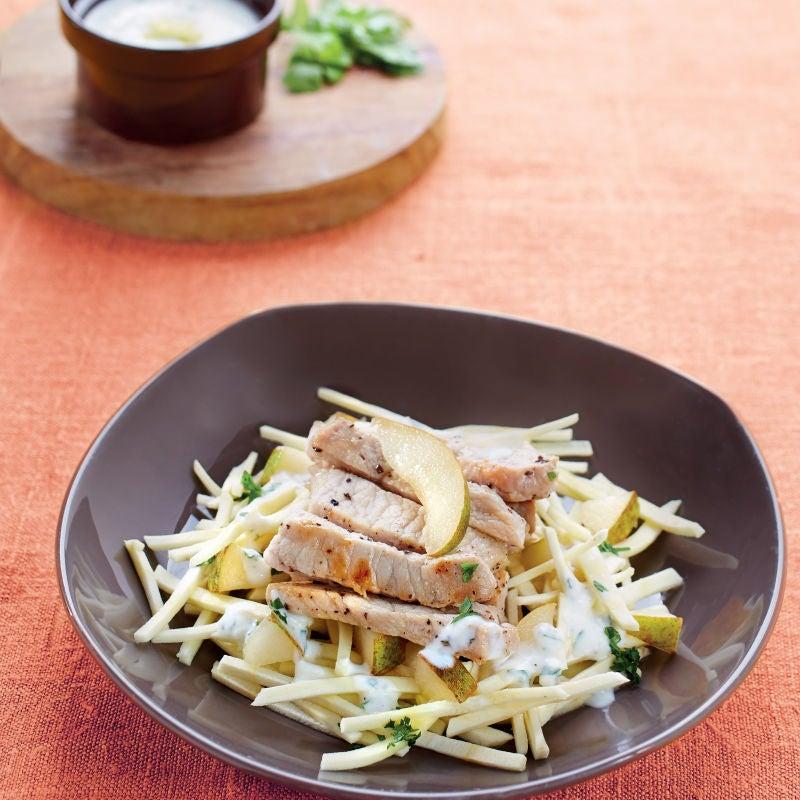Photo de/du Salade de panais et de poires au filet de porc par WW