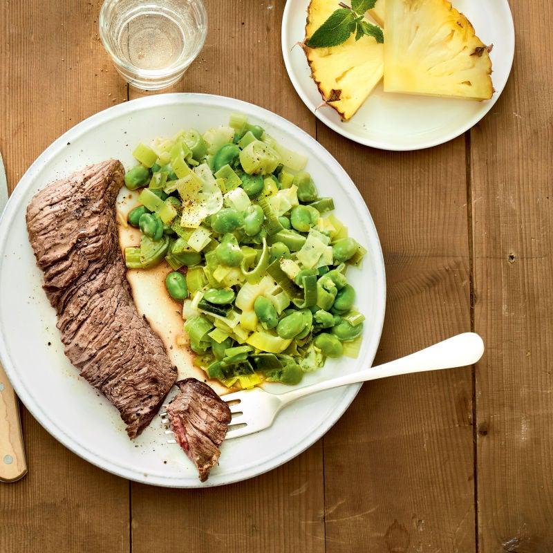 Photo de/du Bavette grillée, fèves et fondue de poireaux à la crème par WW