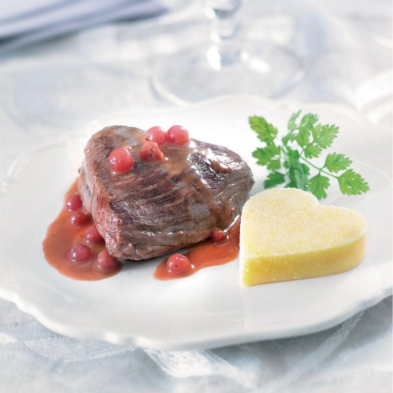 Photo de/du Pavé de biche, sauce cranberries, cœur de polenta par WW