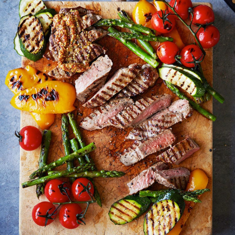 Photo de/du Faux-filet de boeuf et légumes grillés au barbecue par WW