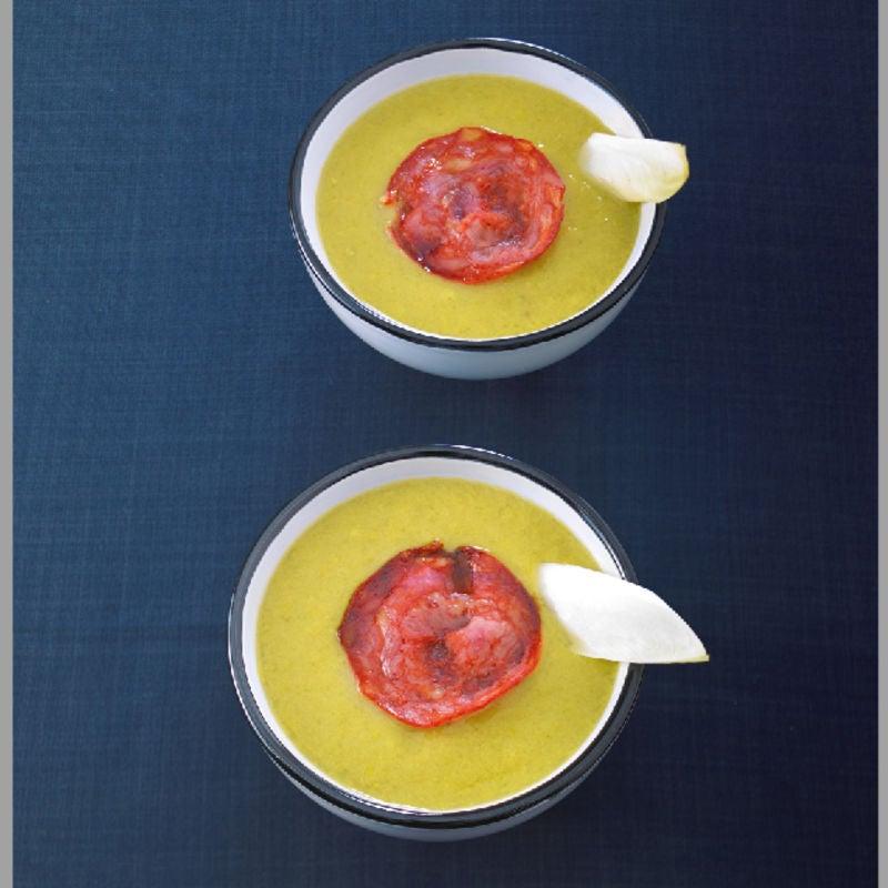 Photo de/du Crème d'endives et de poivrons verts, croustillants de chorizo par WW