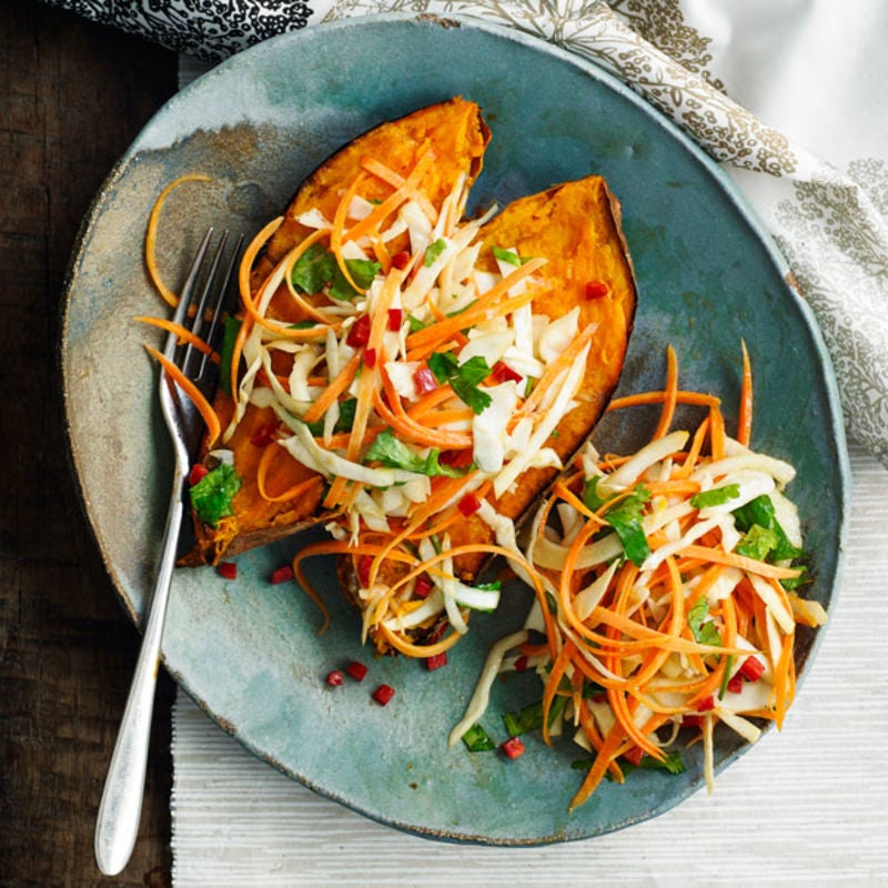Photo de/du Patate douce au four et coleslaw asiatique par WW
