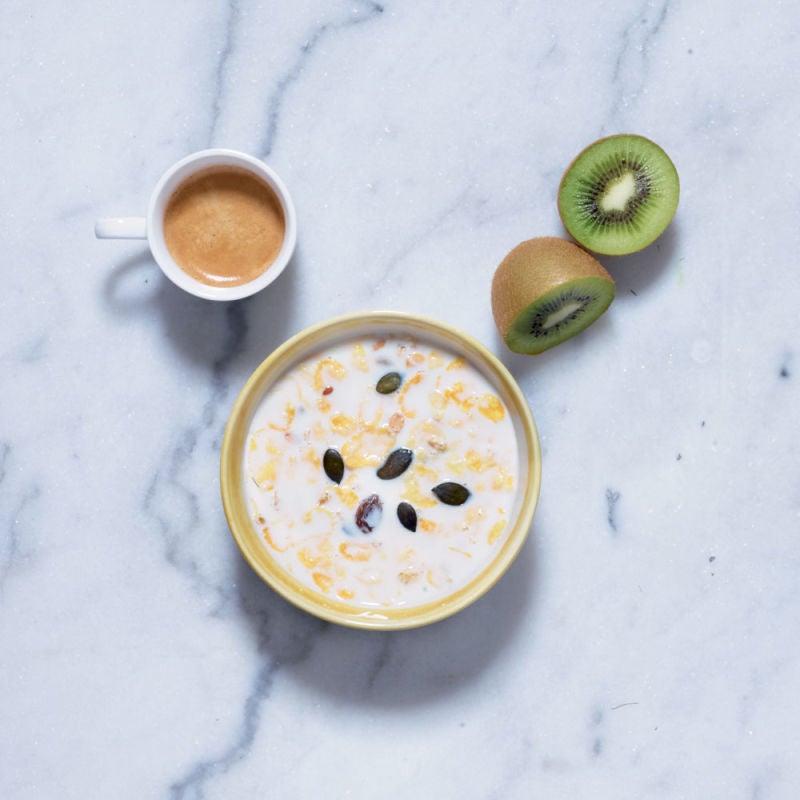 Photo de/du Bol de lait écrémé, muesli et kiwi par WW