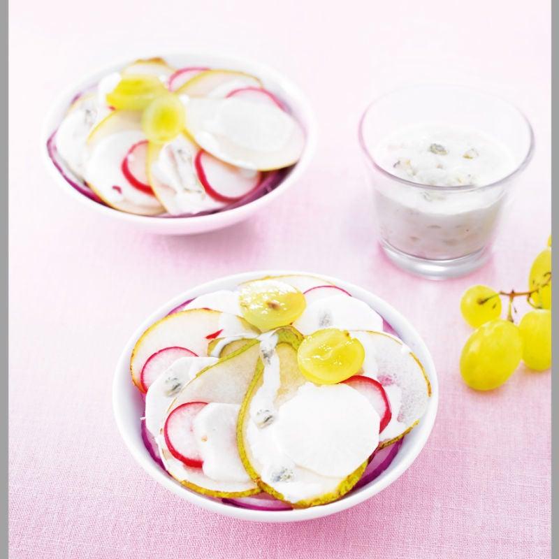 Photo de/du Salade fruitée aux radis crus, aux navets cuits et au bleu d'Auvergne par WW